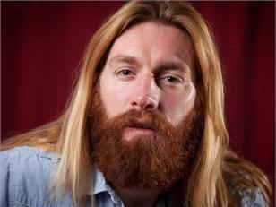 De Engelsman Nathan Grindal werd vorige week verwijderd bij een darttoernooi in Engeland. De mensen schreeuwden 'Jesus!' toen ze hem zagen, dat leidde af...
