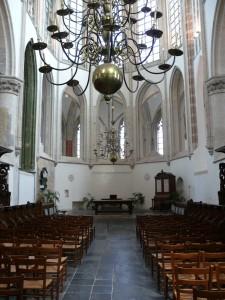 Veel oude katholieke kerken, zoals hier de Grote Kerk van Breda, werden na de Reformatie zichtbaar protestants.