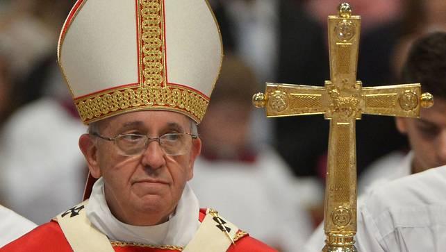 Paus Franciscus is in de wereld een invloedsleider maar in de kerk een machtsleider.